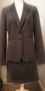 EUC The Limited Lined Gray Skirt Suit